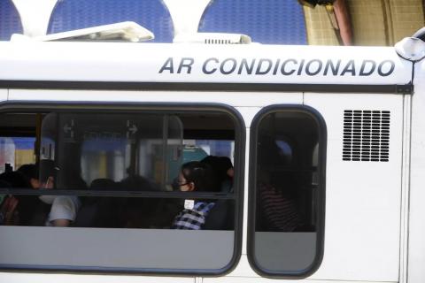 Porto Alegre flexibiliza o uso de máscara em ônibus para crianças de até três anos e pessoas com autismo